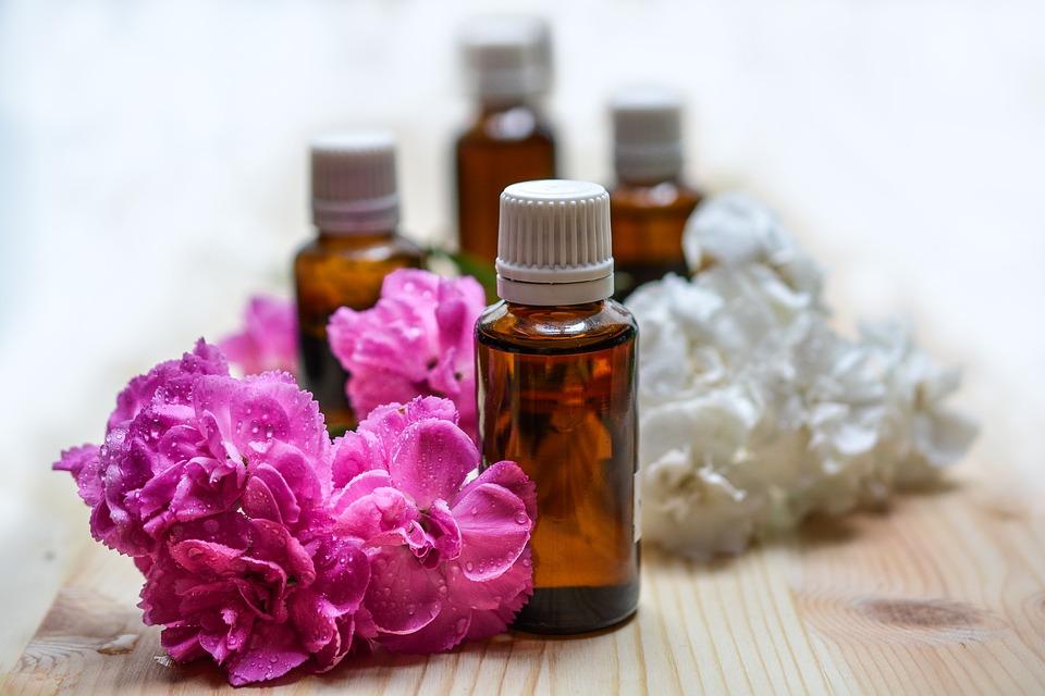 Des soins à base d'huile essentielle pour soulager vos différents maux